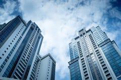 Bâtiments avec le ciel bleu Photographie stock