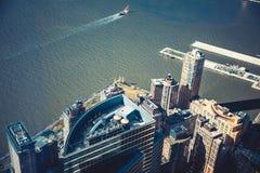 Bâtiments ayant beaucoup d'étages dans le paysage urbain de New York Photographie stock