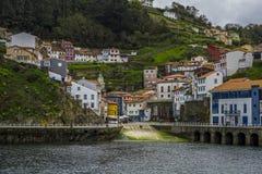 Bâtiments colorés de Cudillero, Asturies Images libres de droits