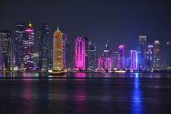 Bâtiments colorés de Doha Images libres de droits