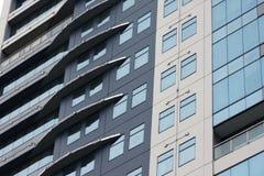 Bâtiments commerciaux et résidentiels ayant beaucoup d'étages Photographie stock