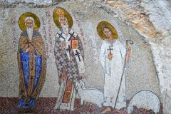 Bâtiments d'église supérieure de monastère d'Ostrog avec des mosaïques Niksic, Monténégro Images stock