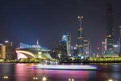Bâtiments dans des scènes de nuit de parc de Guangzhou Haixinsha photographie stock