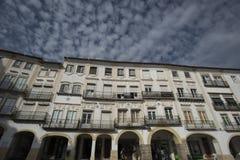 Bâtiments dans la place de giraldo, Evora Portugal photographie stock