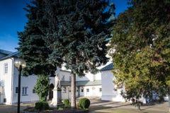 Bâtiments de couvent dans la ville de Radomsko en Pologne centrale Photographie stock