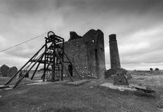 Bâtiments de mine de pie en noir et blanc Image libre de droits