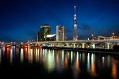 Bâtiments de point de repère de Tokyo comprenant le skytree de Tokyo photo libre de droits