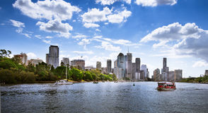 Bâtiments de rive à Brisbane Images stock