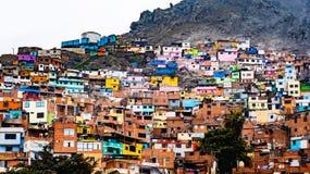 Bâtiments de taudis à Lima, Pérou photos libres de droits