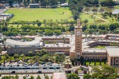 Bâtiments du Parlement du Kenya au centre de la ville de Nairobi Photos stock