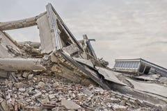 Bâtiments en béton effondrés Image libre de droits