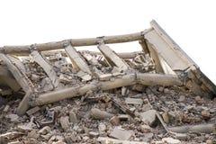 Bâtiments en béton effondrés d'isolement Image libre de droits