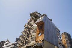 Bâtiments en bois étranges dans Avoriaz, France Photographie stock libre de droits