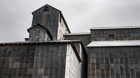 Bâtiments et élévateurs à grains agricoles photos libres de droits