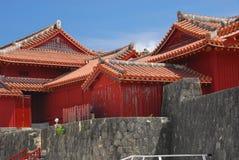 Bâtiments et murs au château de Shuri Photos stock