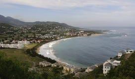 Bâtiments et rivage sur une île Images libres de droits