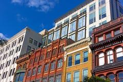 Bâtiments historiques et modernisés dans le centre ville de Washington DC Images libres de droits