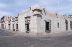 Bâtiments historiques sur les rues d'Arequipa photo libre de droits