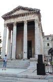 Bâtiments historiques/vieux temple romain photo stock