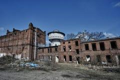 Bâtiments industriels détruits et abandonnés Photographie stock libre de droits