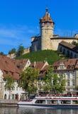 Bâtiments le long du Rhin dans Schaffhausen, Suisse photos stock
