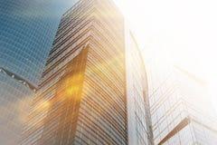 Bâtiments modernes de gratte-ciel d'affaires de verre Image libre de droits