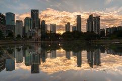 Bâtiments modernes en Kuala Lumpur, district des affaires de la Malaisie Photographie stock libre de droits