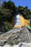 Bâtiments originaux et colorés à Pusan, Corée du Sud Images libres de droits