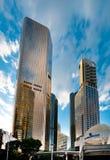 Bâtiments reflétés ayant beaucoup d'étages à Brisbane Photos libres de droits