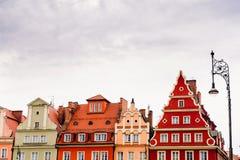 Bâtiments sur la place médiévale du marché à Wroclaw, Pologne image libre de droits