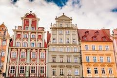 Bâtiments sur la place médiévale du marché à Wroclaw, Pologne photographie stock libre de droits
