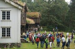 Bâtiments traditionnels en bois blancs, Norvège Photos libres de droits