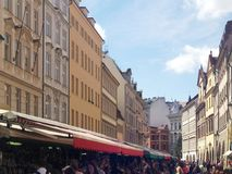 Bâtiments urbains à Prague, le 17 août 2017 Images libres de droits