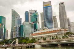 Bâtiments urbains modernes d'horizon de Singapour images stock
