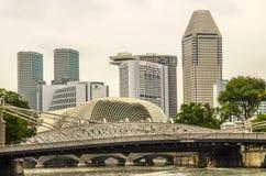 Bâtiments urbains modernes d'horizon de Singapour image stock