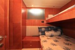Bâtis de couchette sur un yacht Image stock