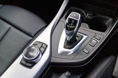 Bâton de réducteur de transmission de BMW M235i le 15 mai 2014 en Hong Kong Photos libres de droits
