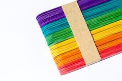bâton en bois coloré de crème glacée  Image libre de droits