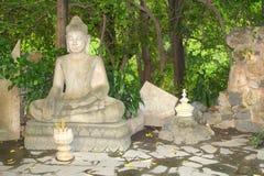 Bâtons d'encens de statue de Bouddha, Royal Palace, Phnom Penh Photo libre de droits