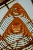 Bâtons d'encens incensesChinese circulaires dans le temple chinois en Hong Kong Images libres de droits