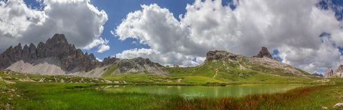Böden jeziora w dolomit górach Zdjęcie Royalty Free