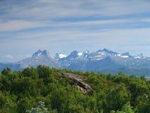 Børvasstindene mountains from Rønvik – Fjell Stock Image