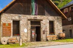 Böckstein, Salisburgo Austria - 9 giugno 2017: Vecchia estrazione dell'oro MU Immagine Stock