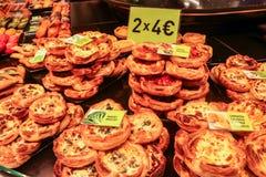 Bäckerei für Verkauf in einem lokalen Markt Lizenzfreies Stockfoto