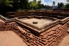 Bäder in den Ruinen bei Polonnaruwa Lizenzfreie Stockfotografie