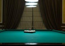 Bälle auf dem Tisch für Billardspiel Stockbilder