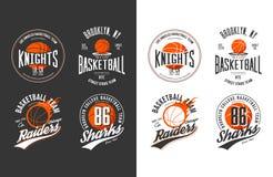 Bälle für Spiel des Basketballs in der Dunkelheit und im Licht Stockfotos