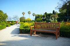 Bänk i parken royaltyfria bilder