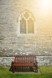 Bänk under på solnedgången i England Royaltyfria Bilder