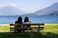 Bänk vid laken Royaltyfri Fotografi